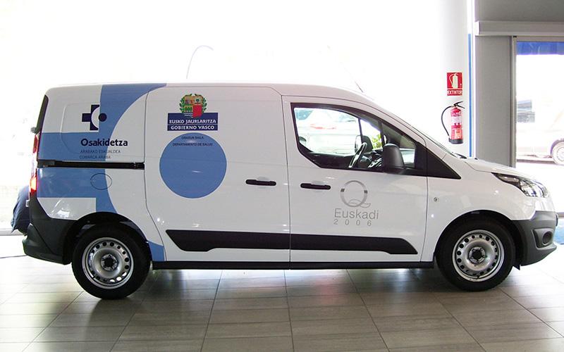 Servicio de rotulación básica de vehículos para empresas